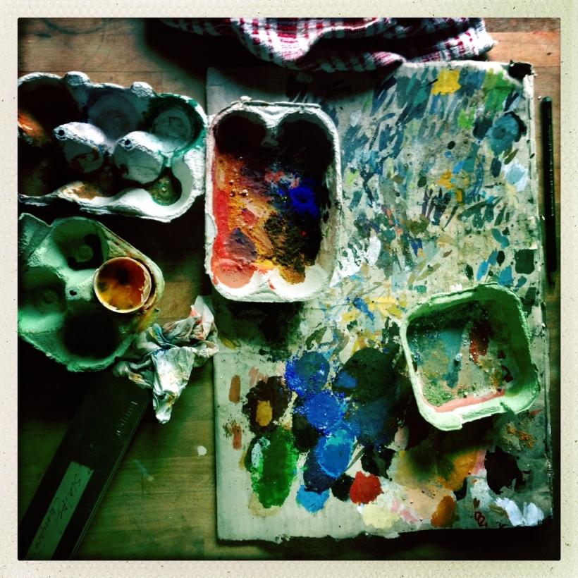Ma table de peinture à l'œuf.jpg